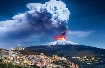 Egy kilométer magasra lövelli a lávacafatokat az Etna