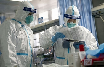 Virológus-diktatúra nincs, a tudás demokráciájára viszont szükség lenne