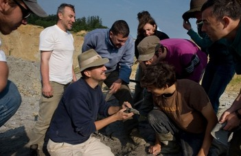 Dinoszauruszok után kutatunk a Bakonyban