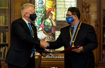 Megállapodás a Semmelweis Egyetemmel a gyógyszerészképzés területén
