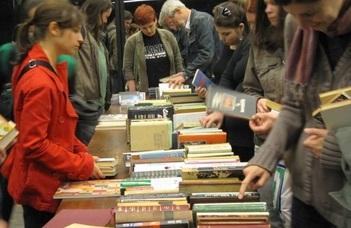 Könyv csere-bere és vásár