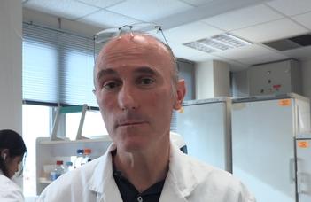 Gilles Travé (Strasbourgi Egyetem) beszél a humán papillomavírus megközelítési lehetőségeiről.