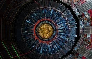 Kísérleti bemutatók, előadások segítségével mutatjuk be a nagyenergiás fizika fő kérdéseit,