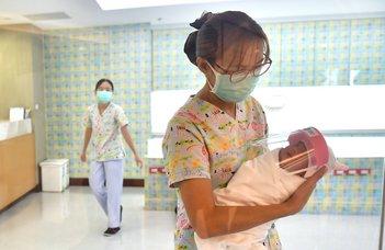 A megfertőződött csecsemők gyakrabban lesznek betegek is?